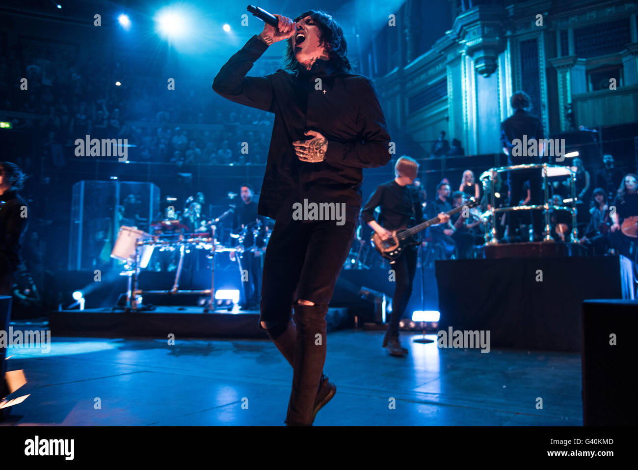 Oliver Sykes On Stage 2015