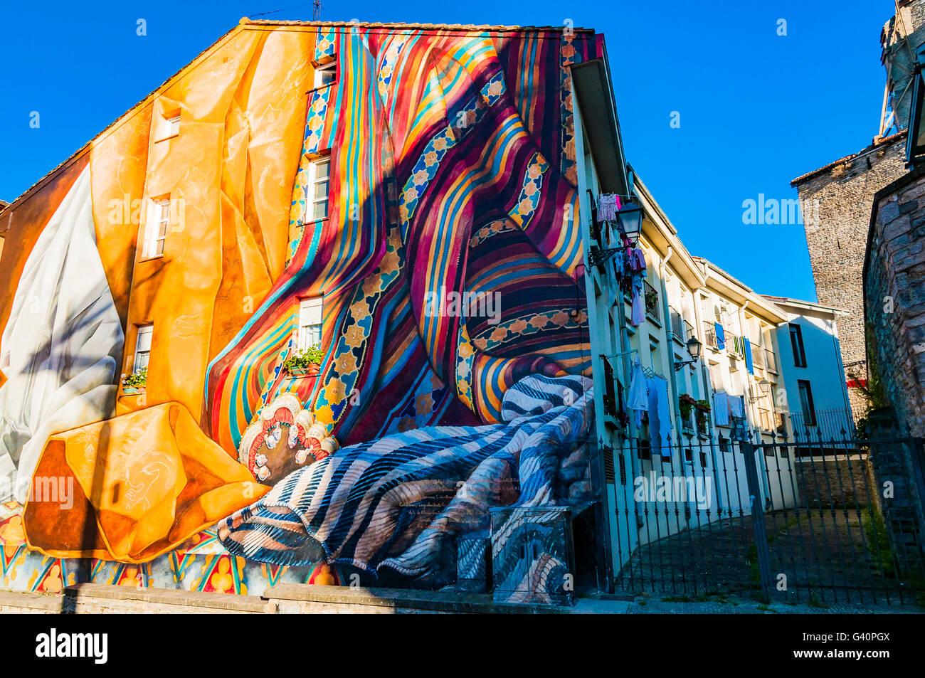 Al Hilo del Tiempo. Mural itinerary of Vitoria, IMVG. Calle Chiquita nº 9. Vitoria-Gasteiz, Álava, Basque - Stock Image
