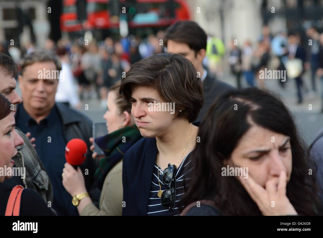 London, England. 17 June 2016. A teary mourner stands in Parliament Square. Credit: Marc Ward/Alamy Live News - Stock Image