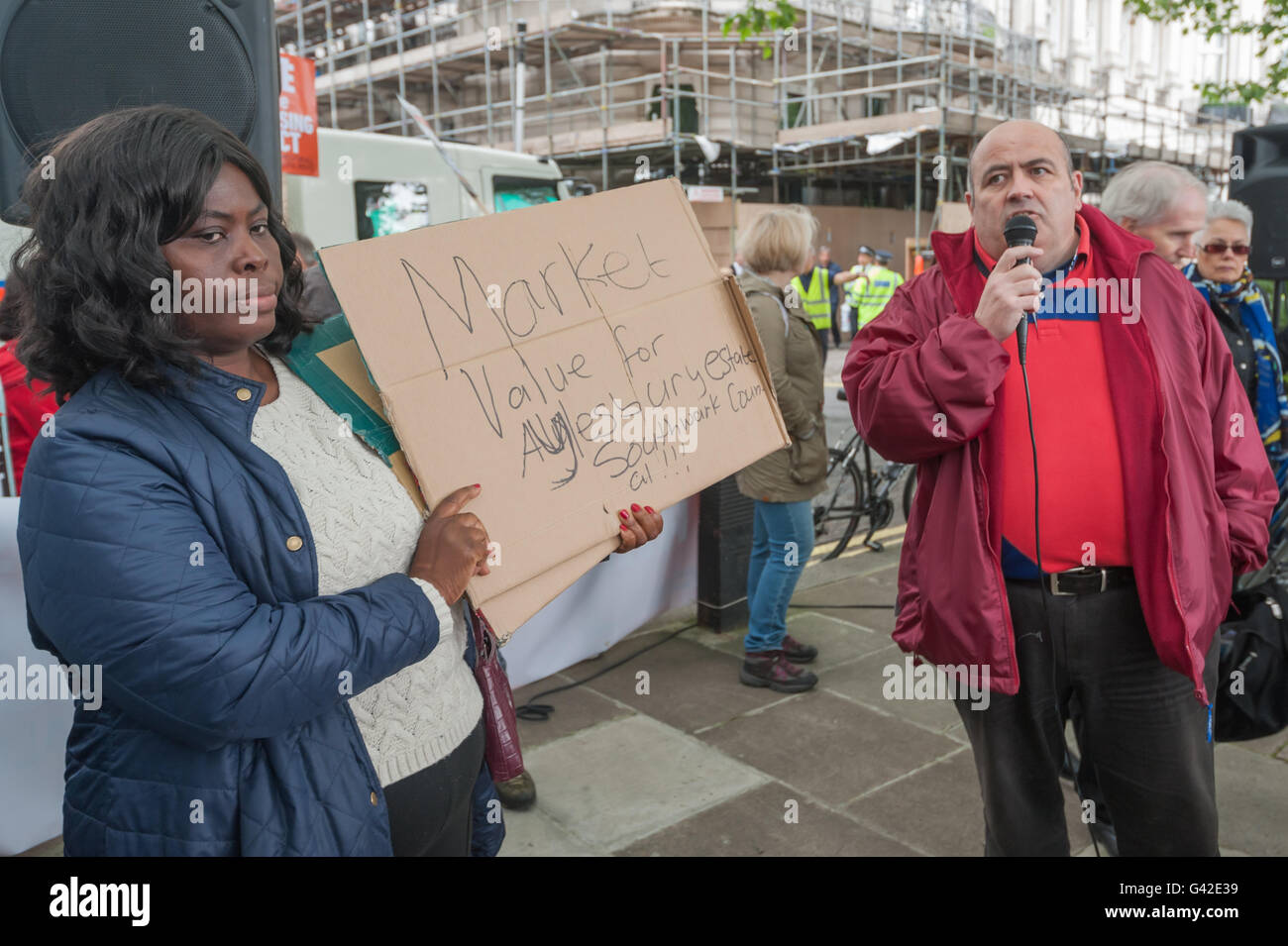 London, UK. 18th June, 2016. A Southwark leaseholder speaks before the march from Hyde Park Corner to Parliament - Stock Image