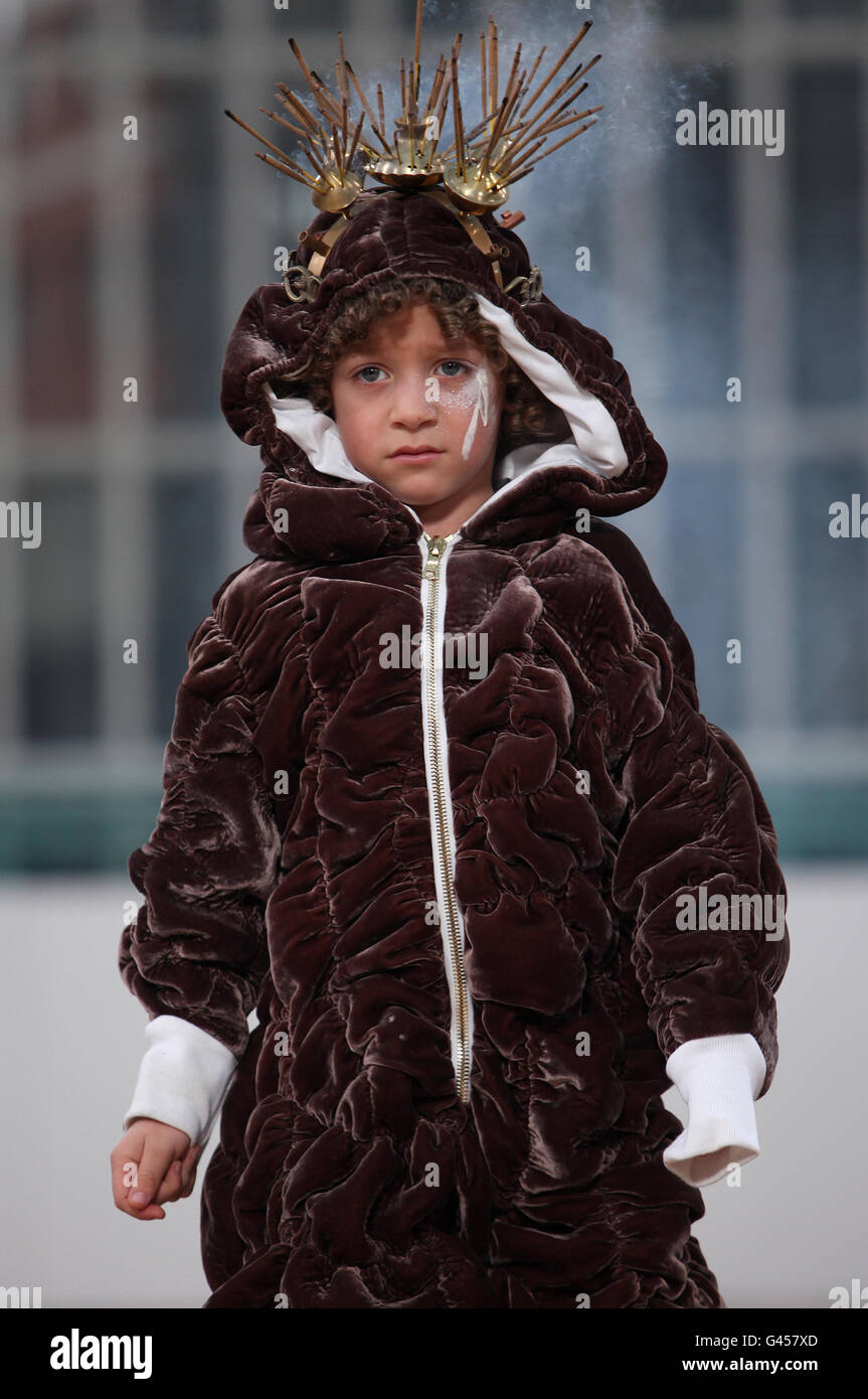 A Child Model On The Catwalk Wears A Design By New Power Studio Stock Photo Alamy