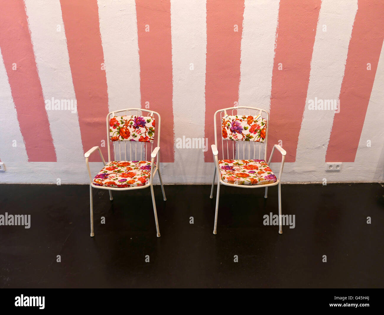 Empty chairs employ employee vacancy job position - Stock Image