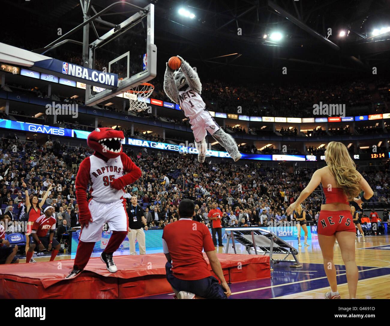 new product 4181b 251d9 New Jersey Nets Mascot Stock Photos & New Jersey Nets Mascot ...