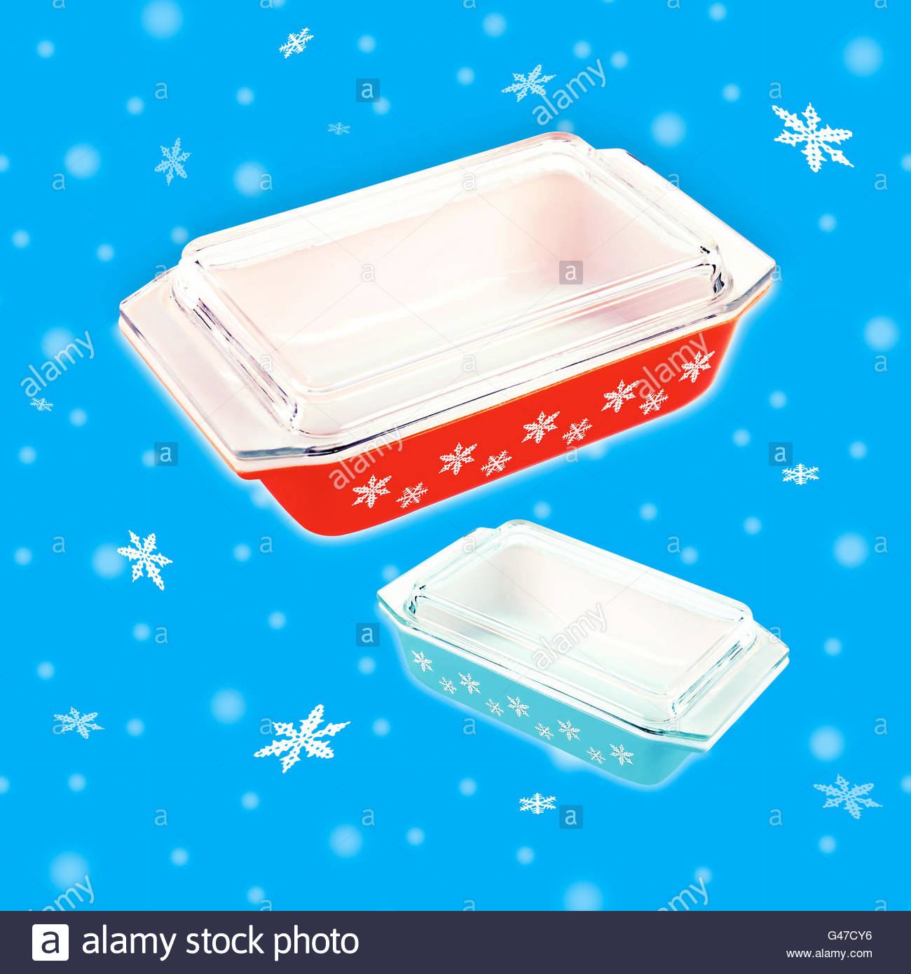 Mid century glass casserole dishes with snowflakes - Stock Image