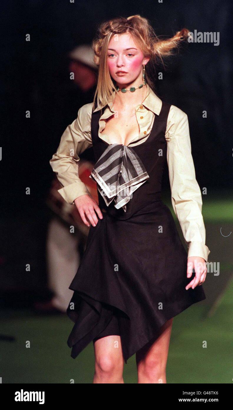 79f2b660910 Vivienne Westwoods Fashion Show Stock Photos & Vivienne Westwoods ...