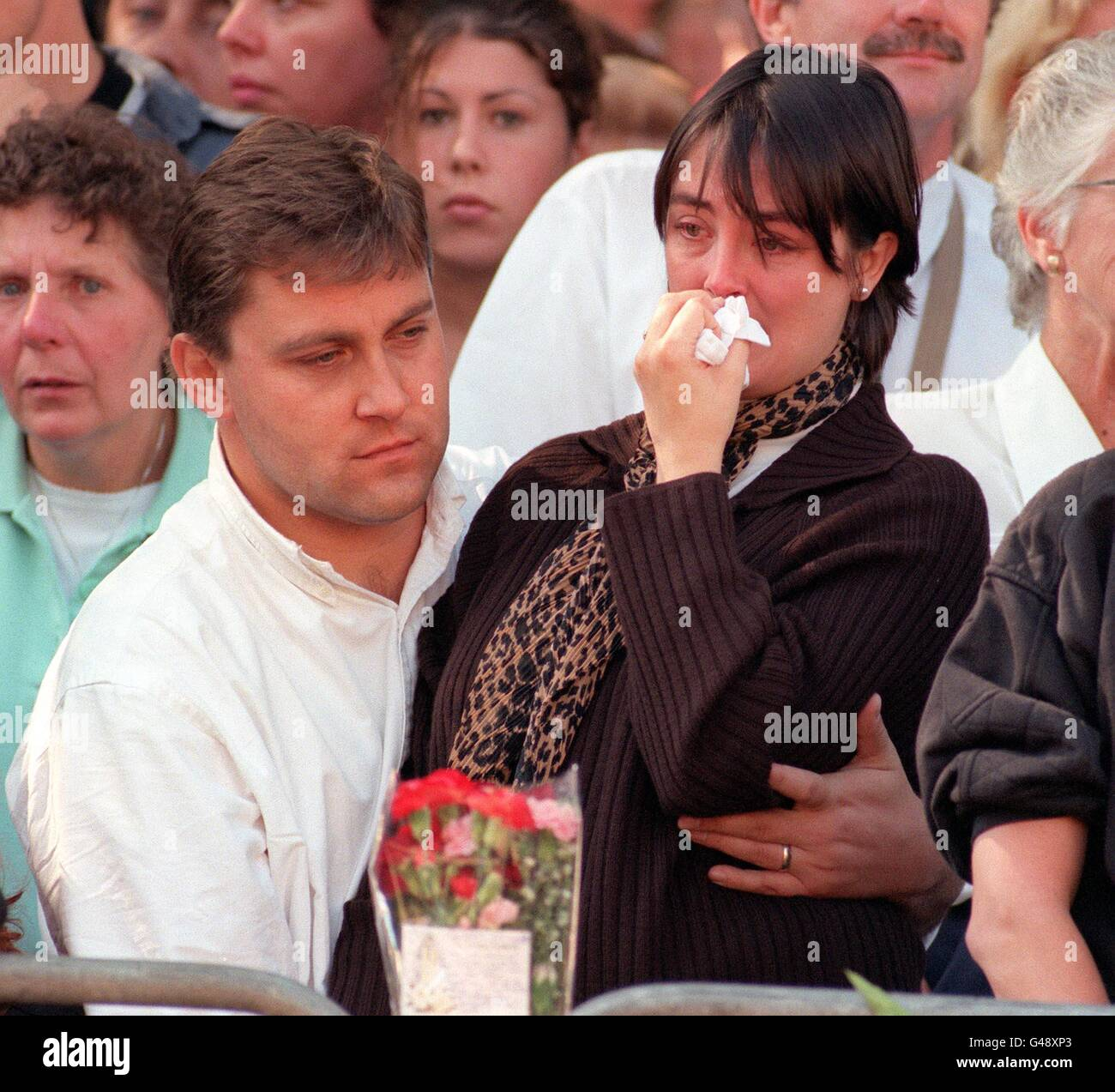 Mourners At Funeral Procession Of Princess Diana Stock Photo Alamy