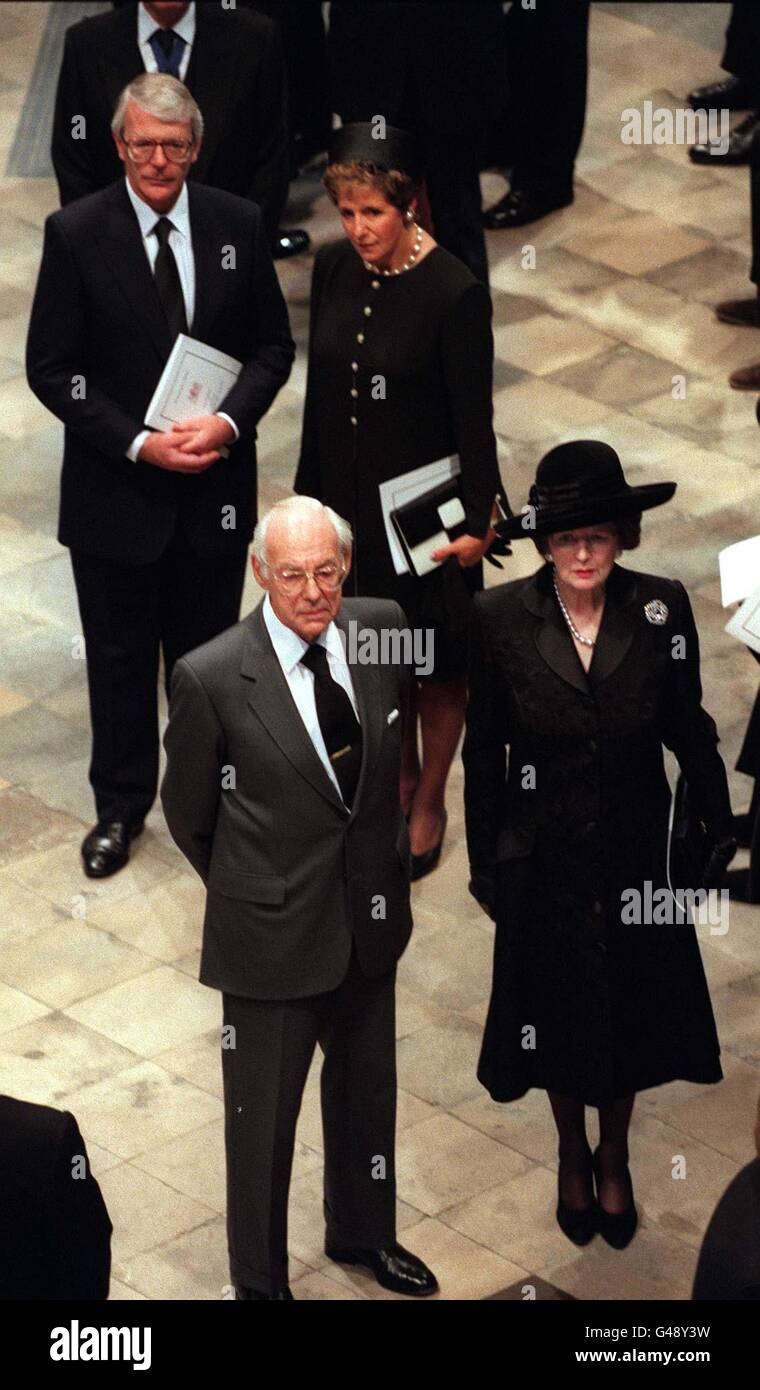 Funeral Of Diana Princess Of Wales 6th September 1997 Express Stock Photo Alamy