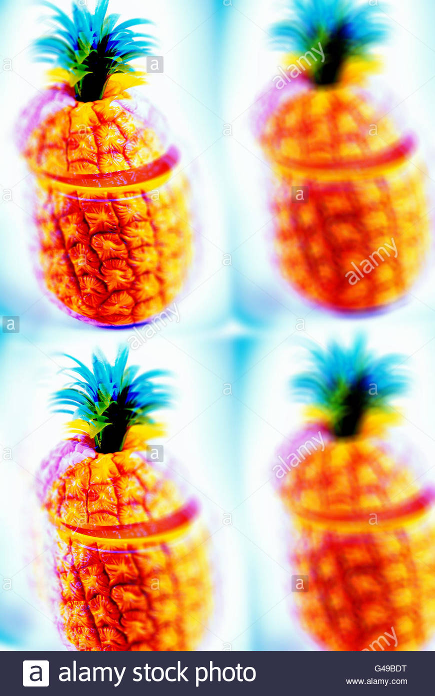 Pineapple ice bucket hawaiian south seas cocktail fifties plastic repeat - Stock Image