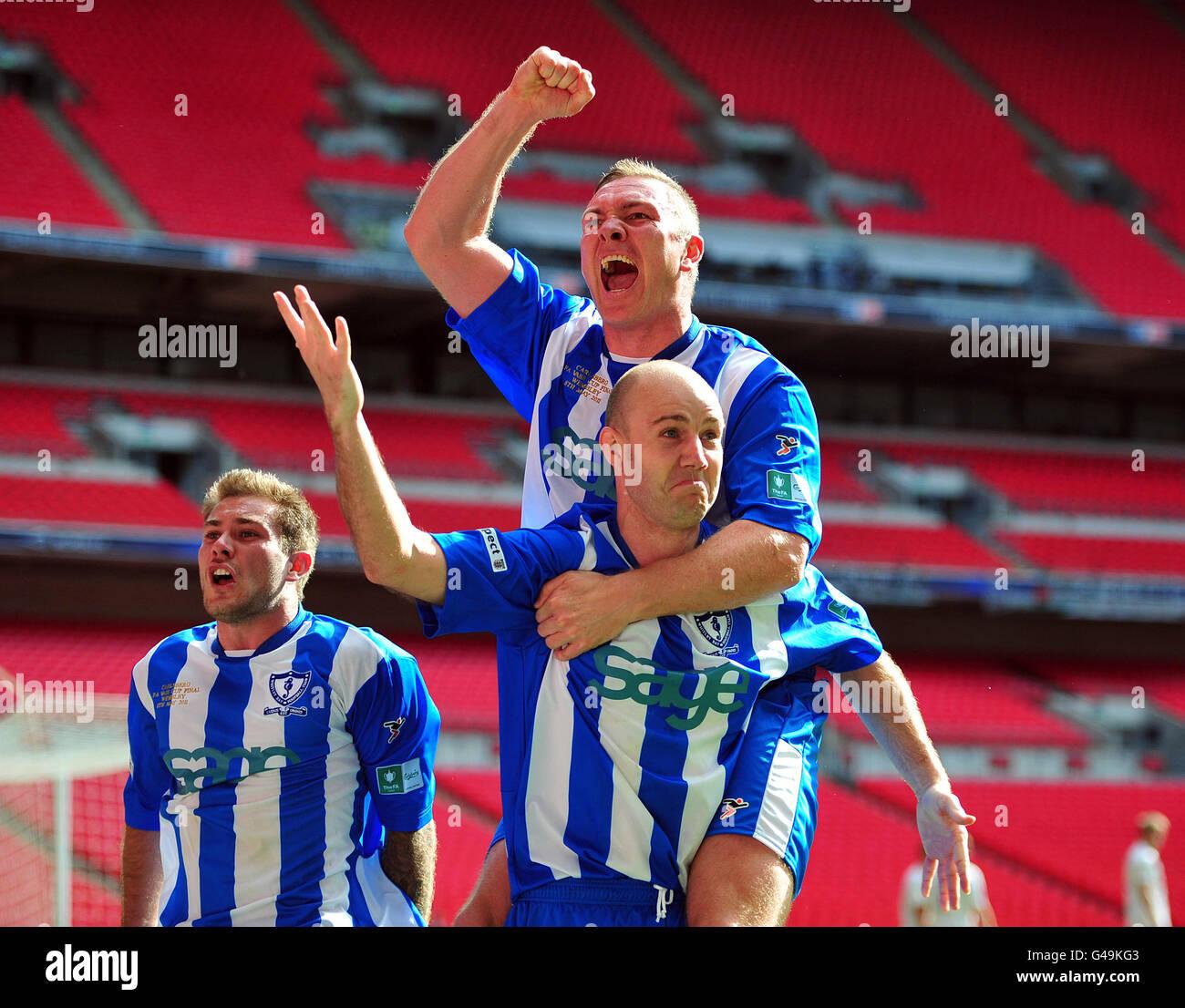 Soccer - The FA Vase Trophy - Final - Coalville Town v Whitley Bay - Wembley Stadium - Stock Image