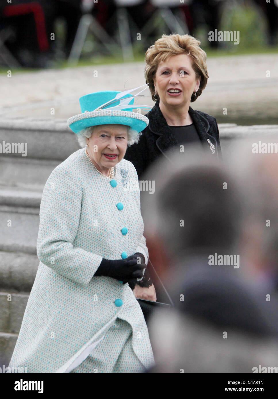royalty queen elizabeth ii state visit to ireland stock photo rh alamy com
