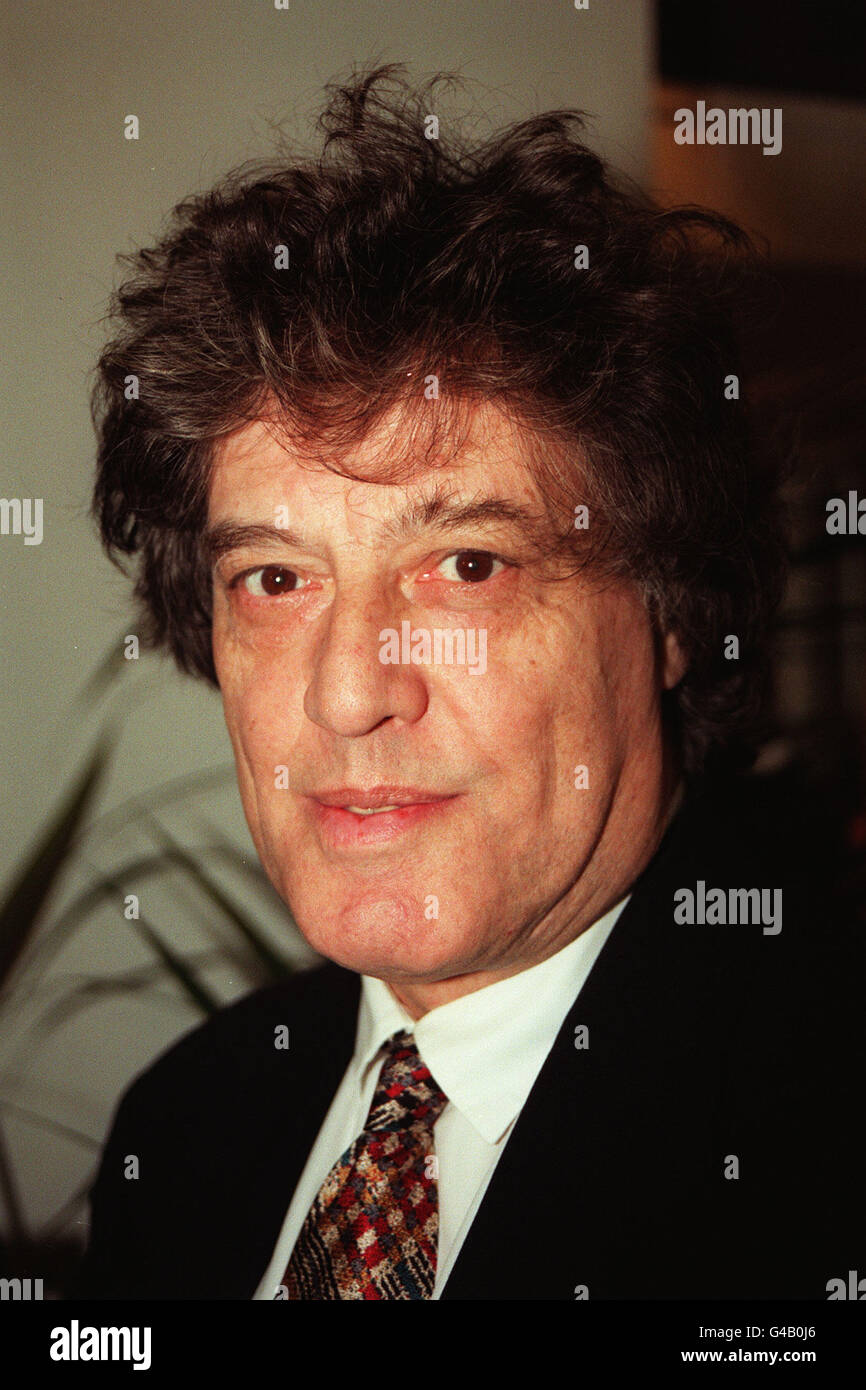 PA NEWS PHOTO 29/1/98  TOM STOPPARD JOINED OTHER LEADING LIGHTS IN THE BRITISH FILM INDUSTRY FOR THE AWARDS FOR - Stock Image