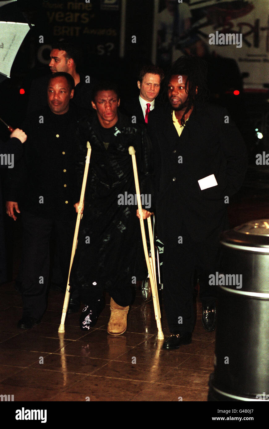 PA NEWS PHOTO 24/2/97  TRICKY AND JAZZY B ARRIVE AT THE BRIT AWARDS IN LONDON - Stock Image