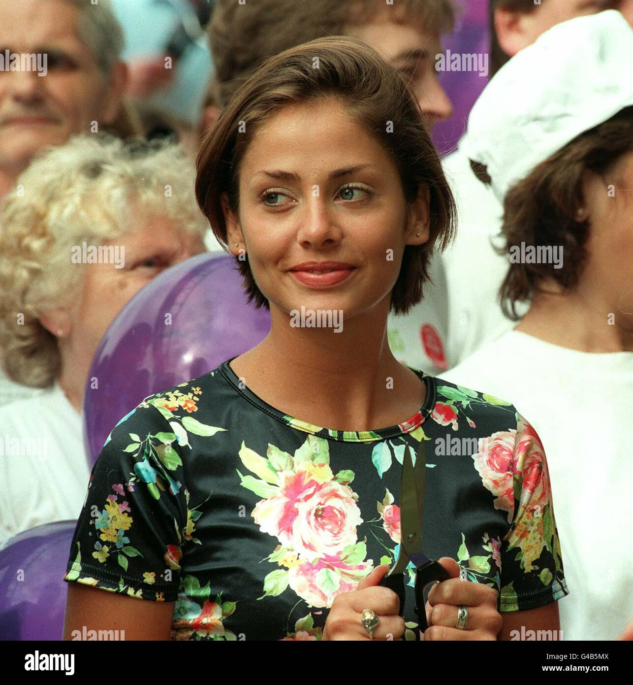 PA NEWS PHOTO 16/7/95  SINGER AND ACTRESS NATALIE IMBRUGLIA LAUNCHING THE 1995 CADBURY'S STROLLERTHON IN CENTRAL - Stock Image
