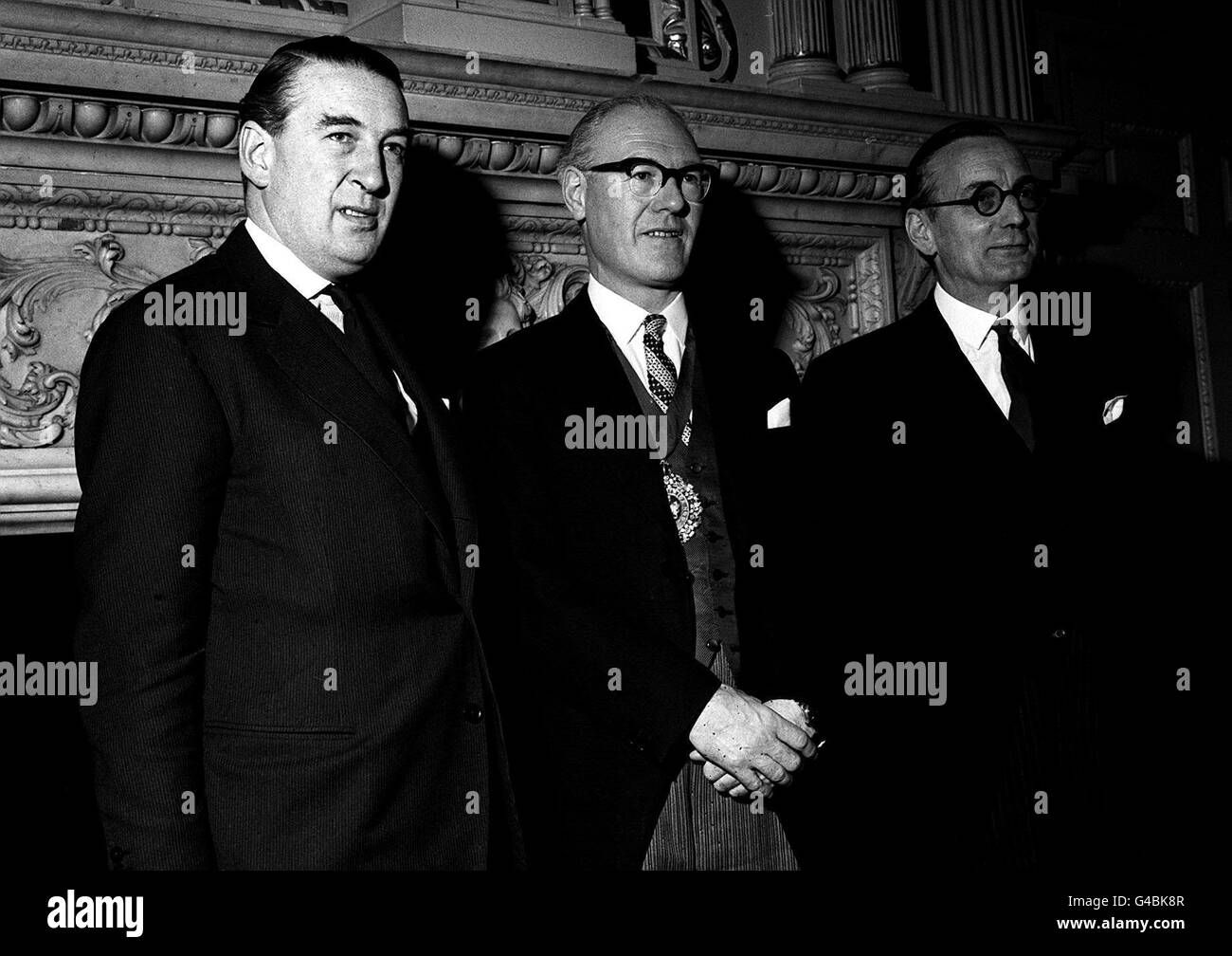 PA NEWS PHOTO 15/11/61  SIR FREDERICK HOARE (CENTRE) THE NEW LORD MAYOR OF LONDON WAS IN A HAPPY MOOD WHEN HE RECEIVED - Stock Image
