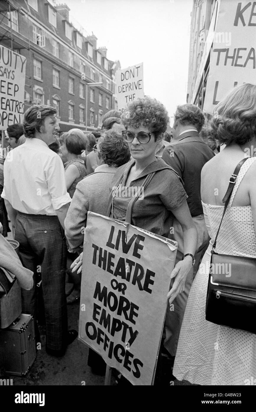 Theatre - Theatre Closures Equity Demonstration - Wardour Street, London - Stock Image