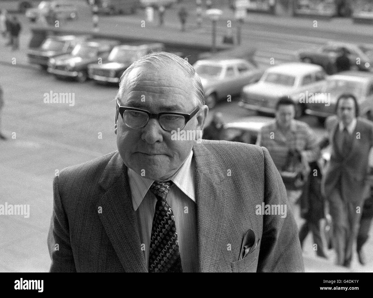 PA NEWS PHOTO 24/4/74  MR. ANDREW CUNNINGHAM OF CHESTER-LE STREET  CO. DURHAM ARRIVING AT LEEDS CROWN COURT WHERE - Stock Image