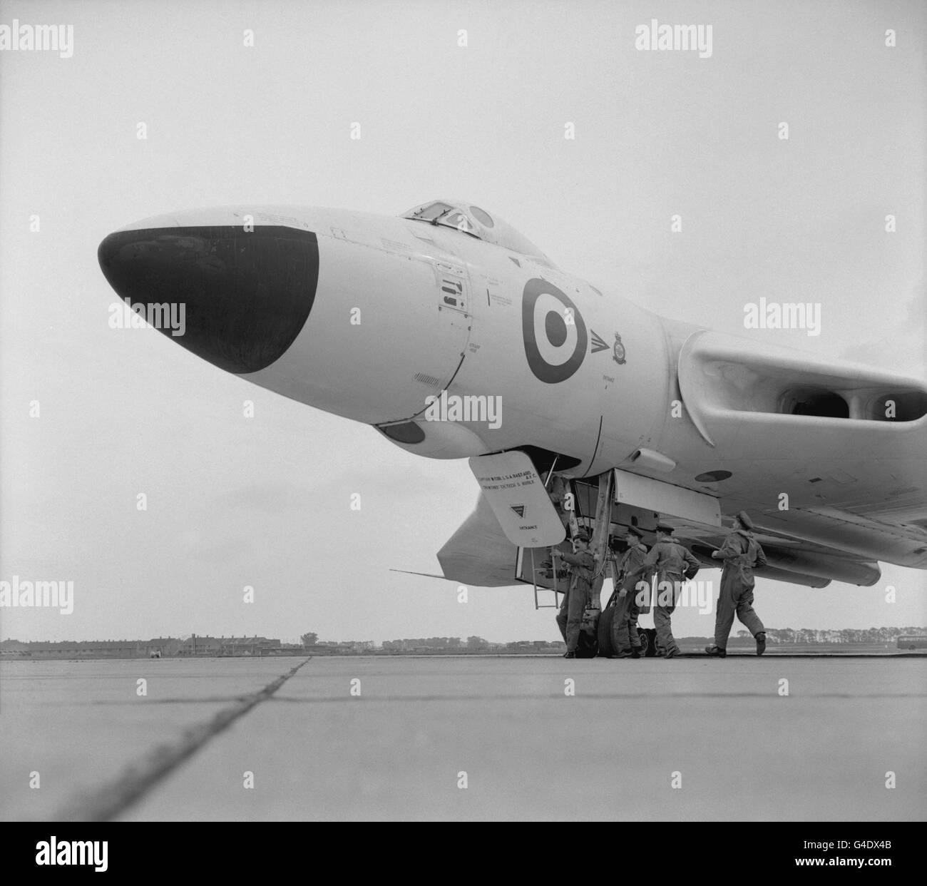 Aviation - Vulcan Bomber Scramble - RAF Scampton, Lincolnshire - Stock Image