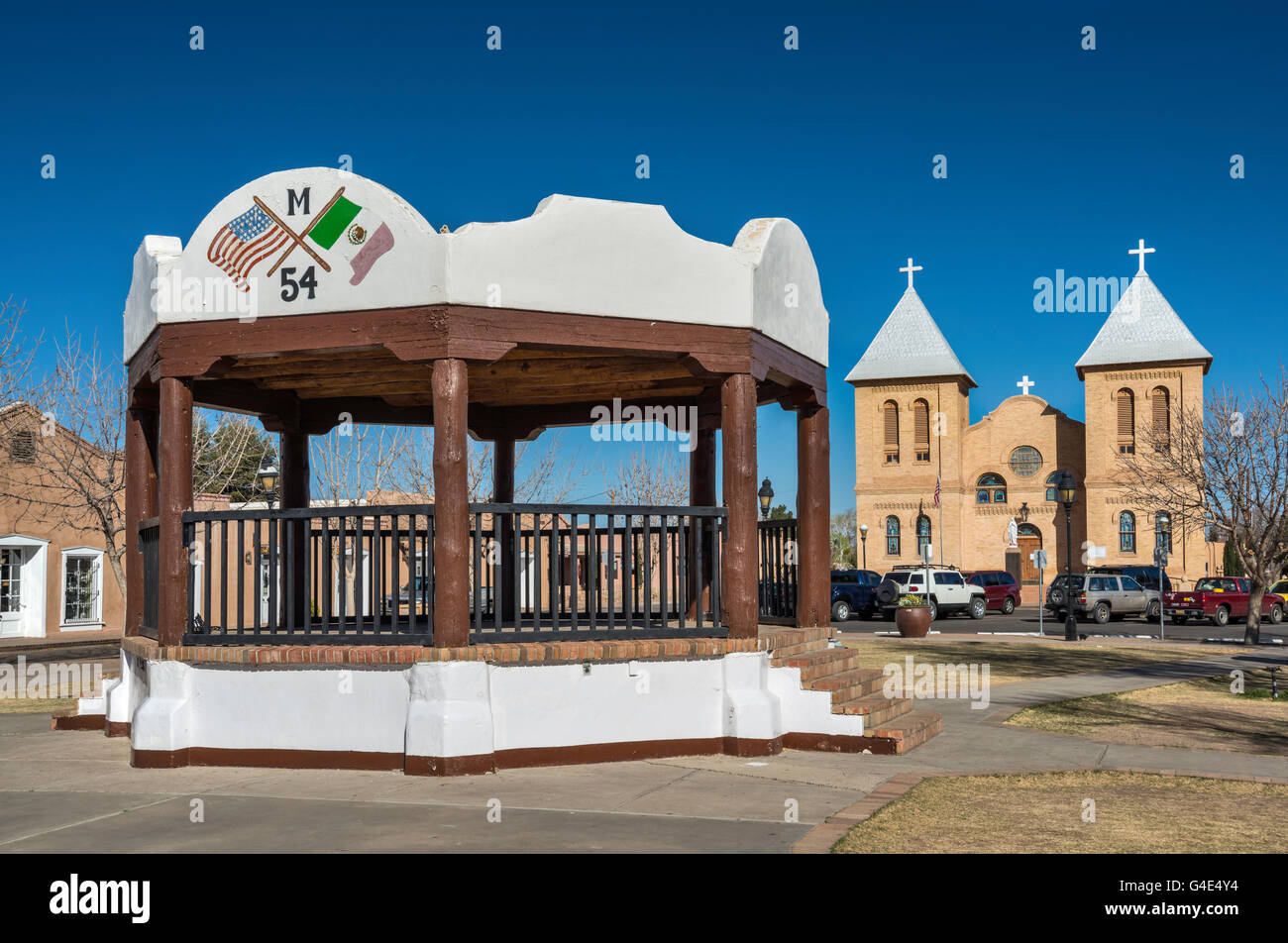 Bandstand, Basilica of San Albino in distance at Mesilla Plaza in town of Mesilla near Las Cruces, New Mexico, USA - Stock Image