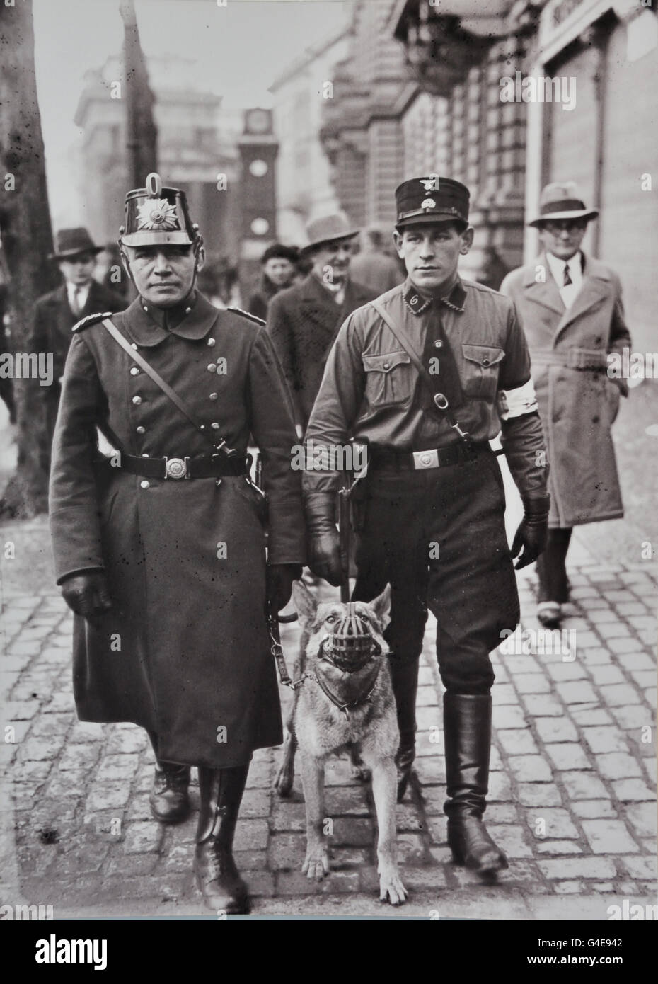 Policeman and SS man ( armband marks ) policeman patrol on the day of the Reichstag Elections March 5 1933 ( Topographie - Stock Image