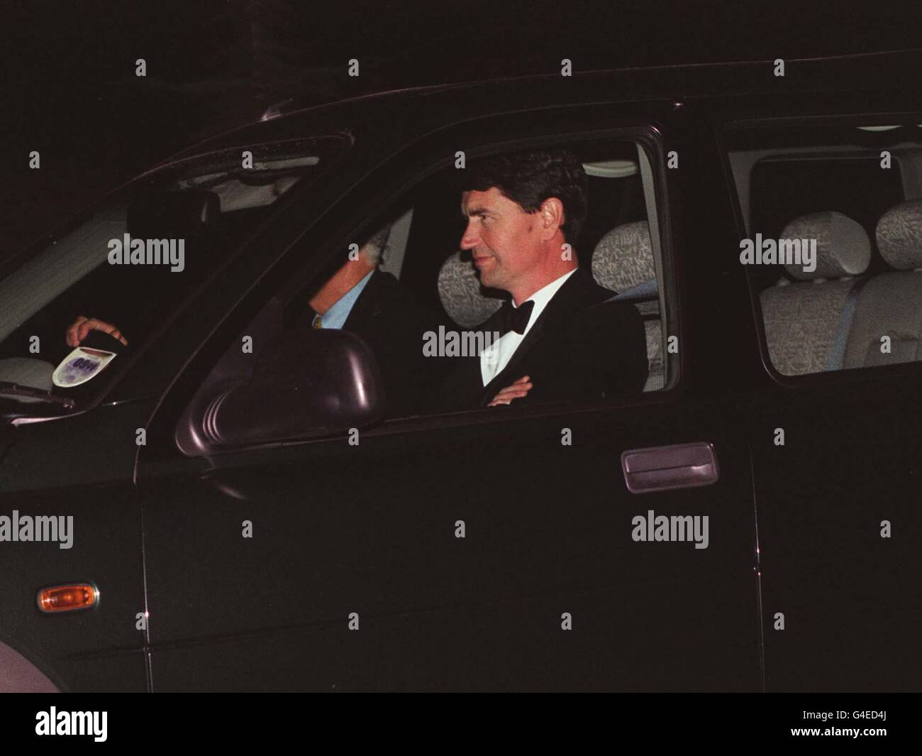 PA NEWS 31/7/98 CAPTAIN TIM LAURENCE ARRIVES AT THE PRINCE OF WALES' GLOUCESTERSHIRE HOME, HIGHGROVE, WHERE HIS Stock Photo