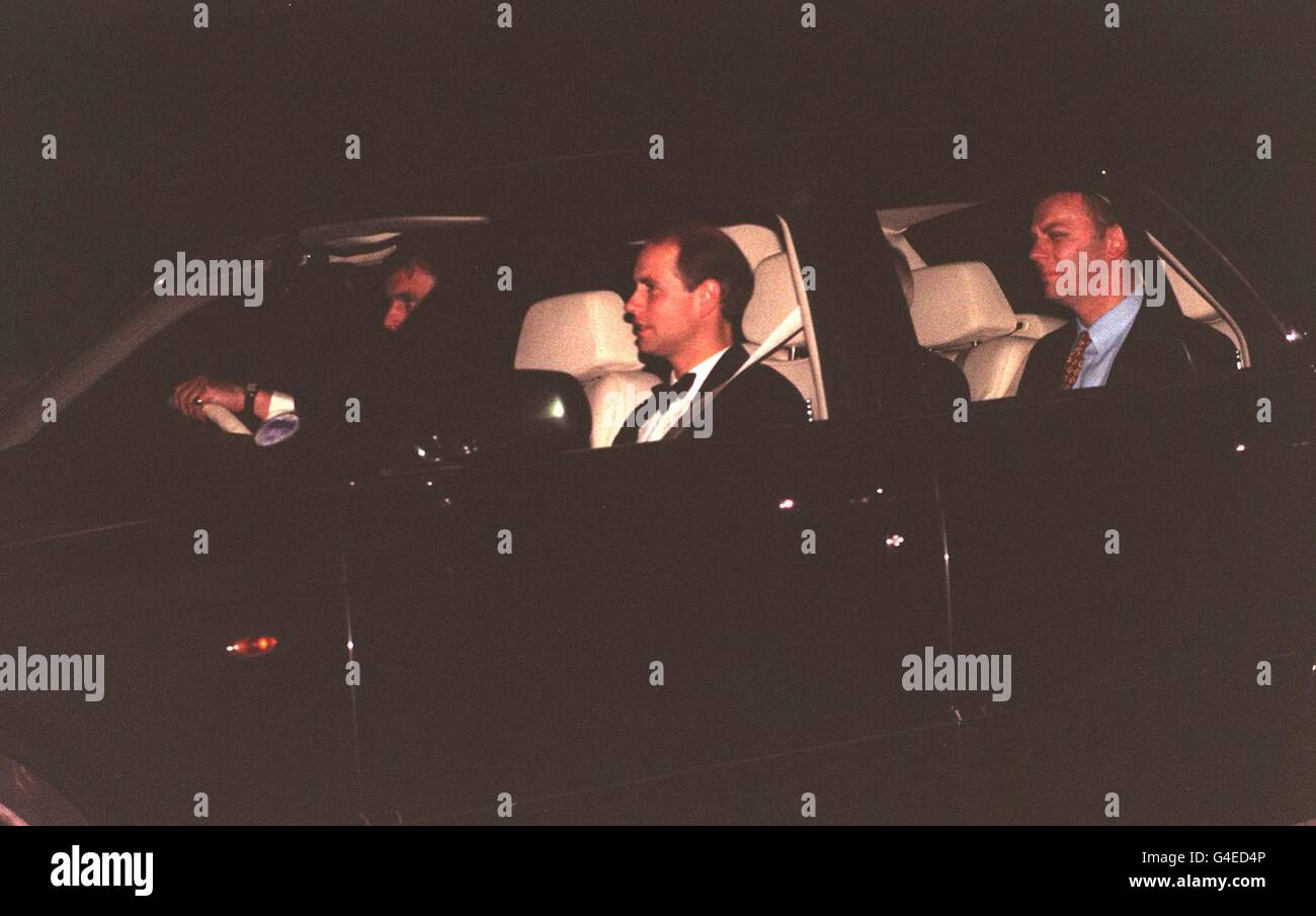 PA NEWS 31/7/98 PRINCE EDWARD ARRIVES AT THE PRINCE OF WALES' GLOUCESTERSHIRE HOME, HIGHGROVE, WHERE HIS SONS, WILLIAM Stock Photo