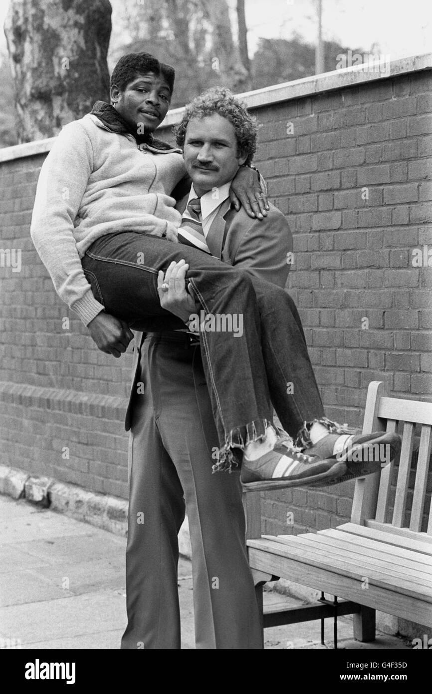 Boxing - Scott LeDoux with Bobby 'Boogaloo' Watts - London - Stock Image