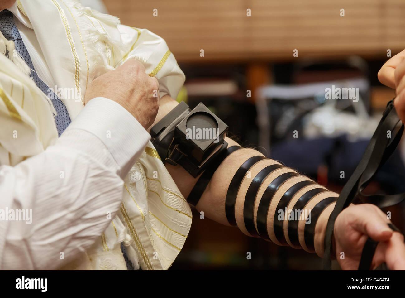 Jewish morning prayer - Stock Image