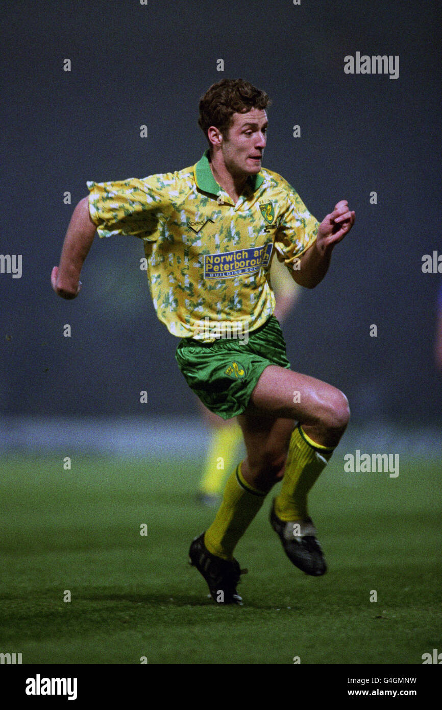 Soccer - UEFA Cup - First Round - Second Leg - Norwich City v Bayern Munich - Carrow Road - Stock Image