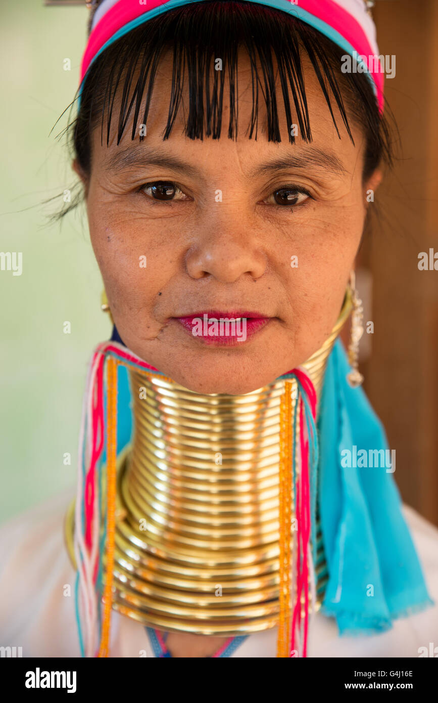 Portrait of a Kayan Lahwi (Padaung) woman with brass coils rings on her neck, Panpet village, Kayah State, Myanmar Stock Photo
