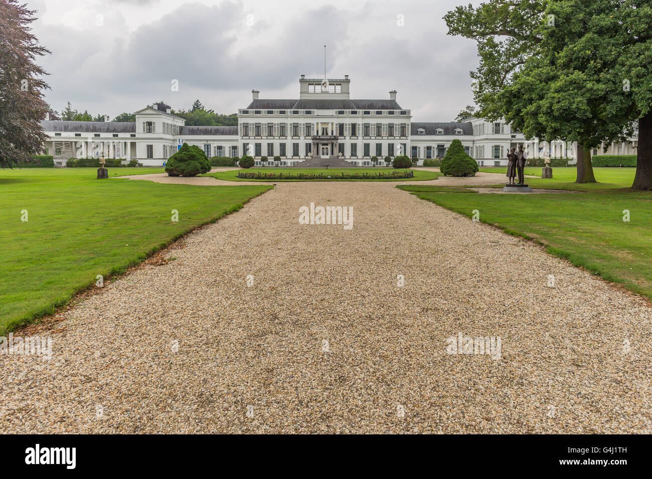 Dutch Royal Family Stock Photos & Dutch Royal Family Stock Images ...