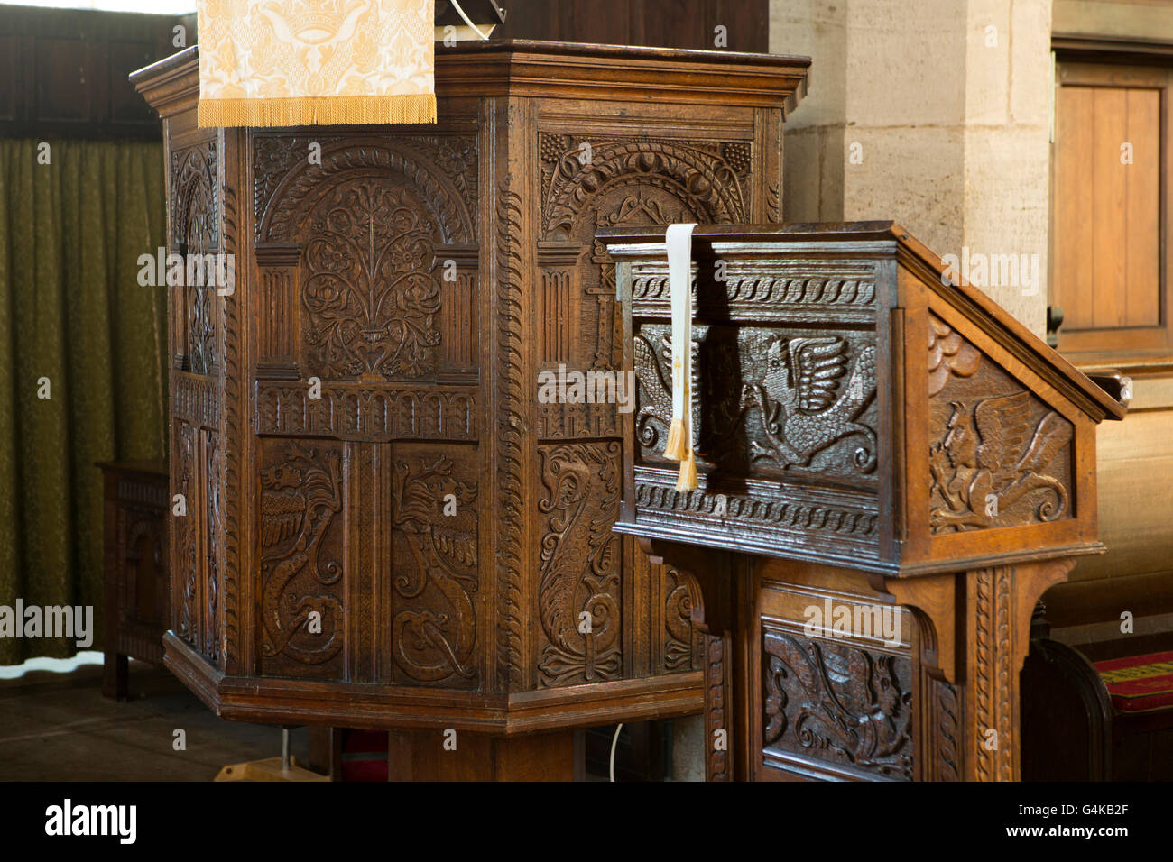 UK, Herefordshire, Pembridge, St Mary the Virgin Church, lectern and octagonal Jacobean pulpit - Stock Image