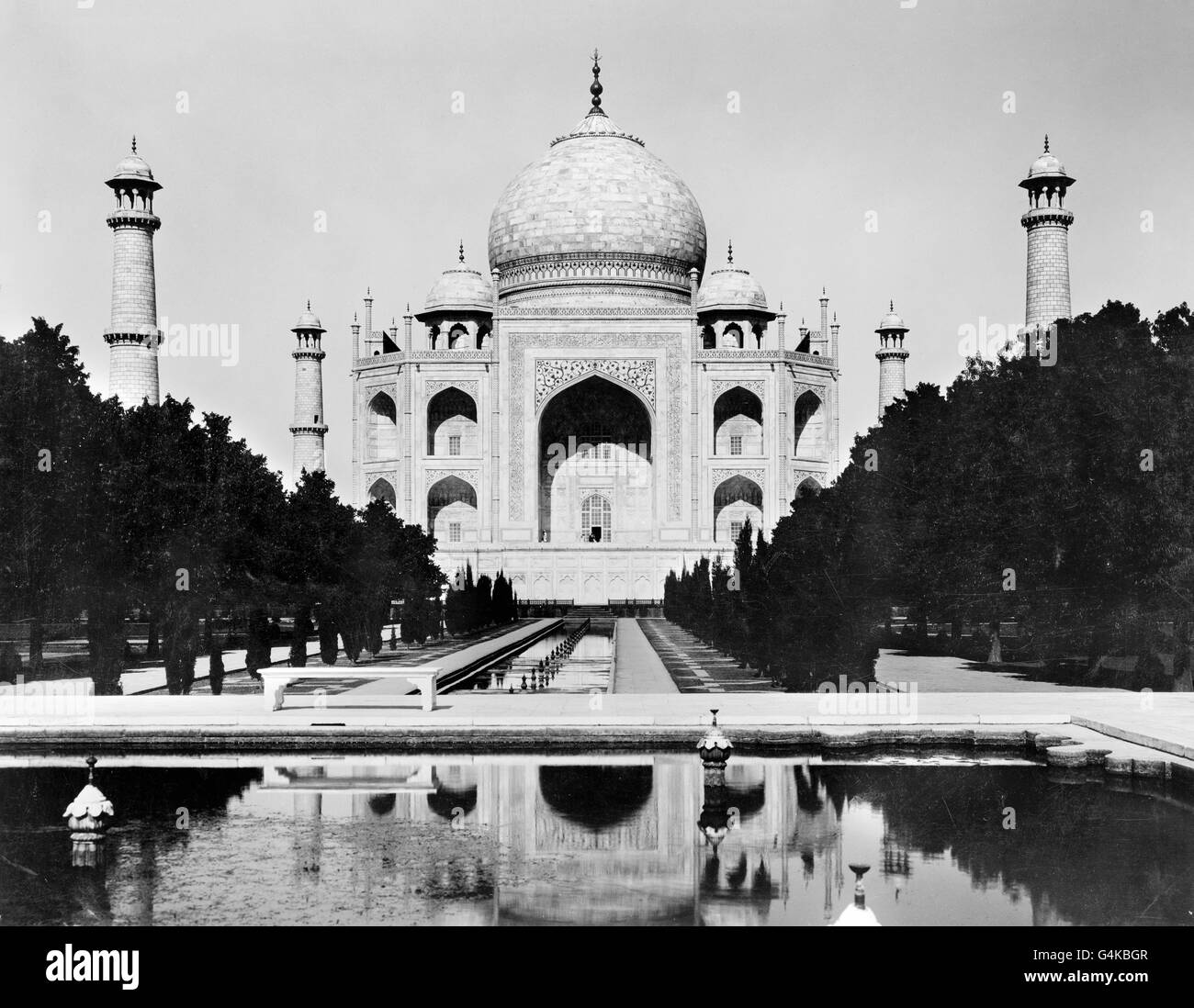 The Taj Mahal in Agra, Uttar Pradesh, India c.1920. Photo, Frank G Carpenter. - Stock Image