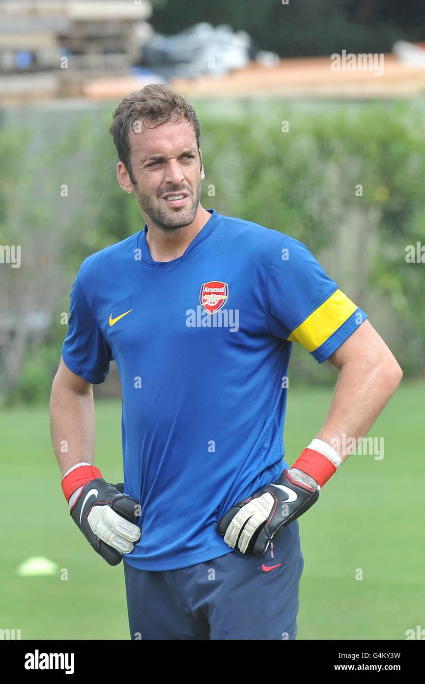 Goalkeeper Manuel Almunia at Arsenal's Hertfordshire training ground. - Stock Image