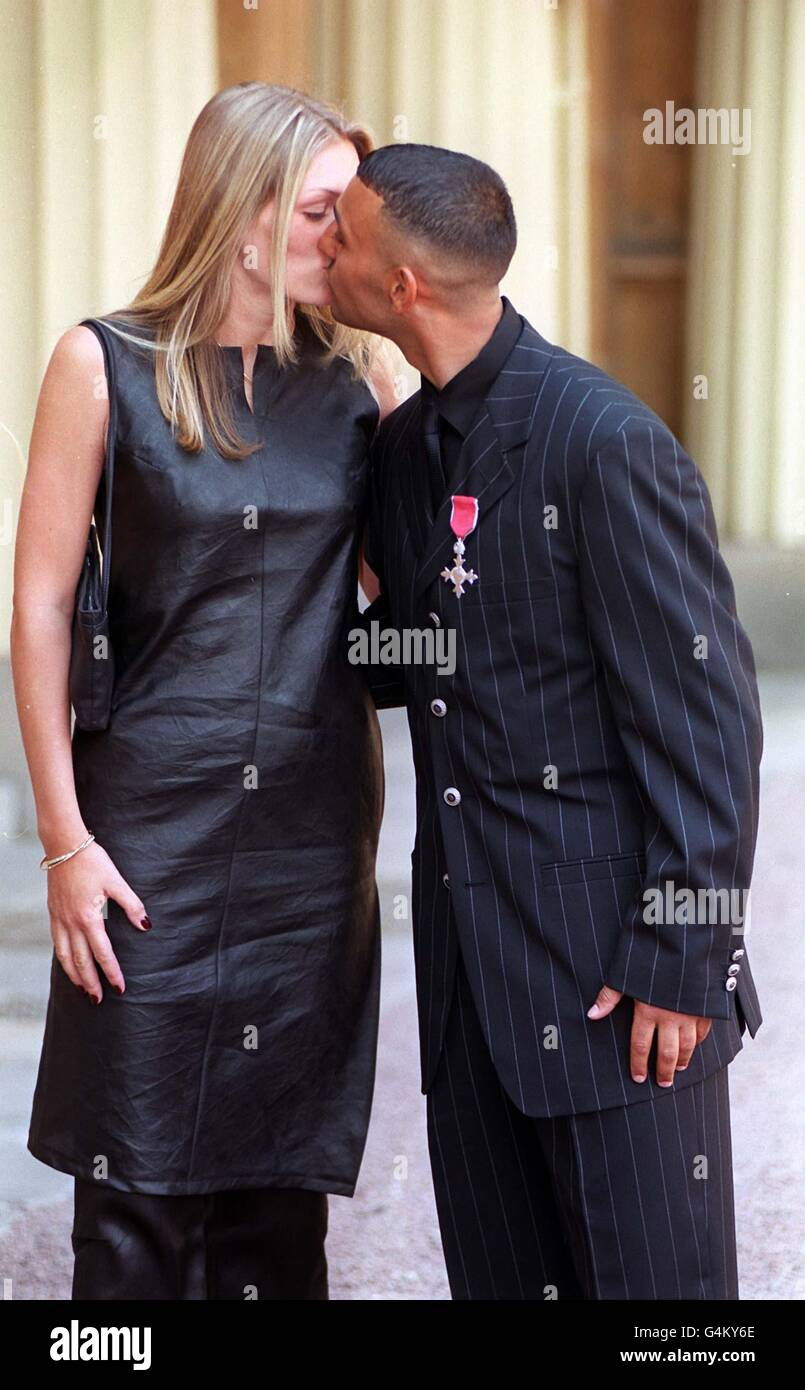 Prince Naseem Hamed Stock Photos & Prince Naseem Hamed ...