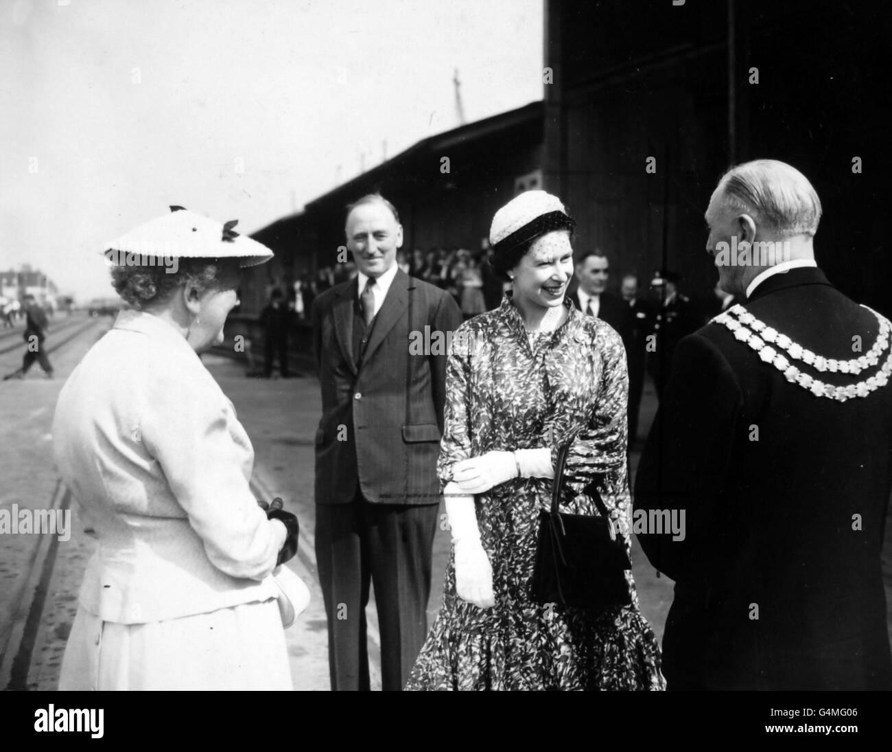 Royalty - Queen Elizabeth II Port of London Visit - London - Stock Image