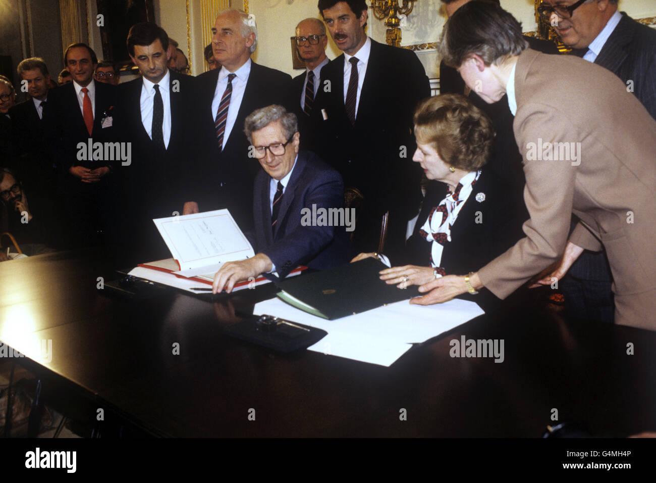 Politics Anglo Irish Agreement Hillsborough Castle Stock Photos