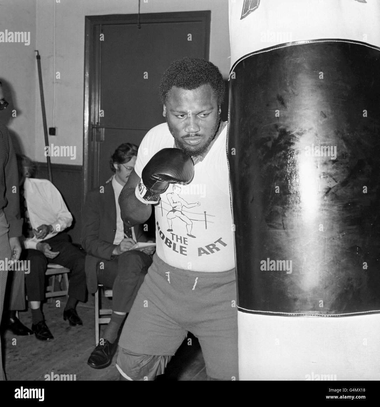 Boxing - Heavyweight - Joe Frazier v Joe Bugner - Joe Frazier Training - British Boxing Board of Control's Noble - Stock Image