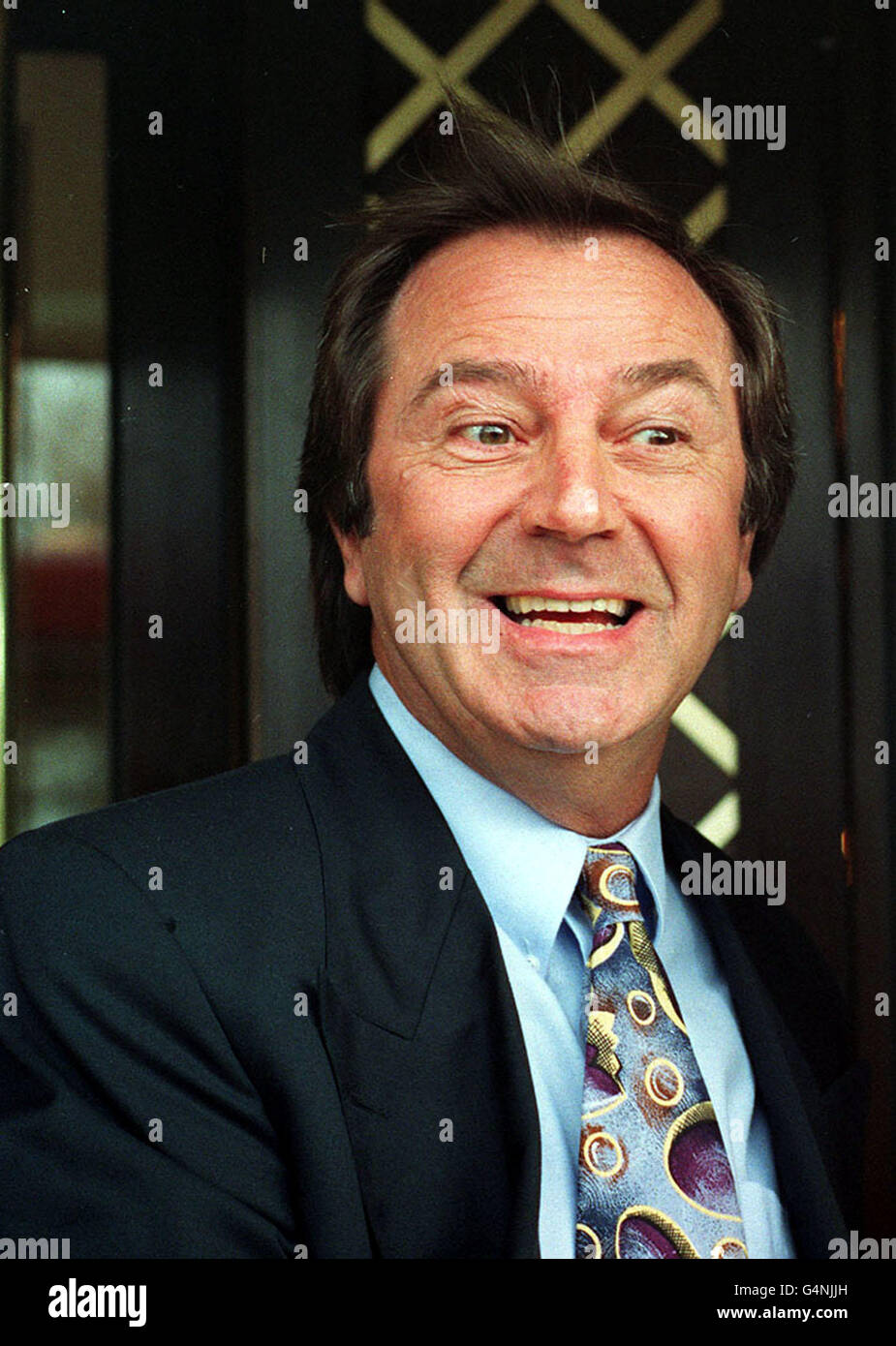 Des O'Connor Stock Photo - Alamy