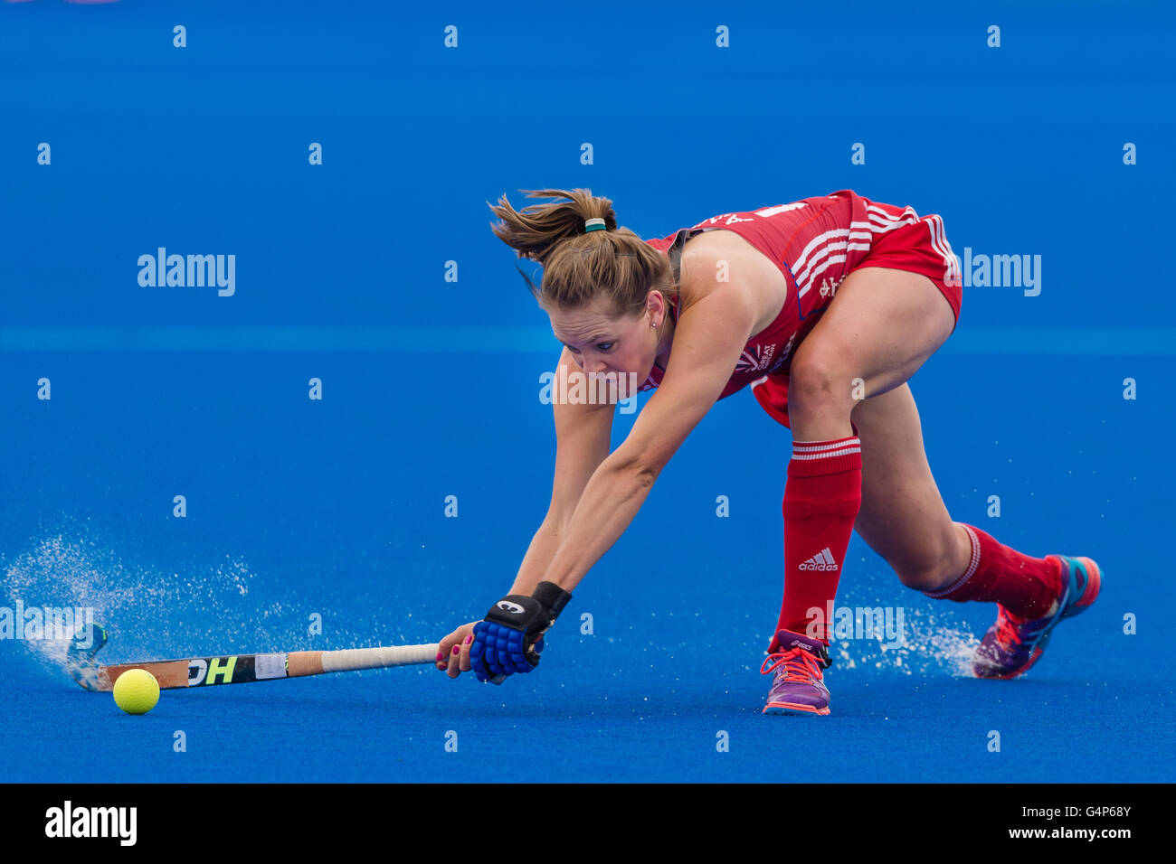 London, UK. 18th June, 2016. Giselle Ansley of Great Britain was hitting the ball during the Hockey Women's - Stock Image