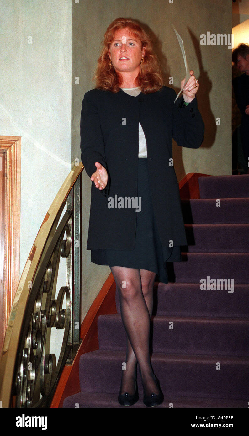 Duchess of york pantyhose