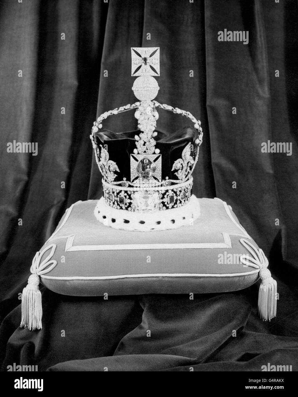 Royalty - British Crown Jewels and Regalia - Tower of London - Stock Image