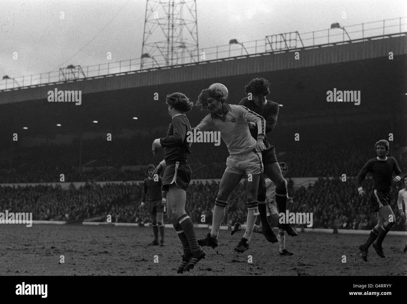 Allan Clarke Leeds Fc Signed 12x16 Football Photograph