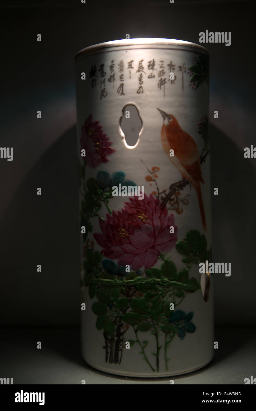 earthen antique china flower vase - Stock Image