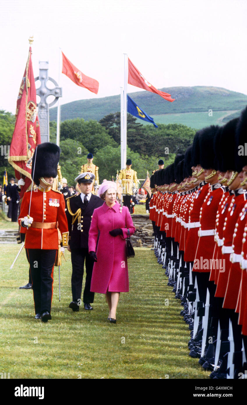 Royalty - Queen Elizabeth II Visit to the Isle of Man - Stock Image