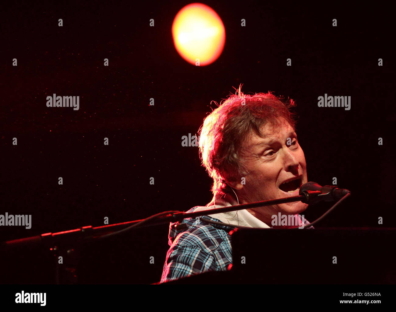 Teenage Cancer Trust Gigs - Steve Winwood - London - Stock Image