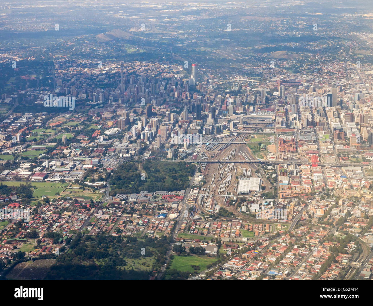 South Africa, Gauteng, Johannesburg, aerial view of Johannesburg with a view of the Nelson Mandela Bücke and - Stock Image