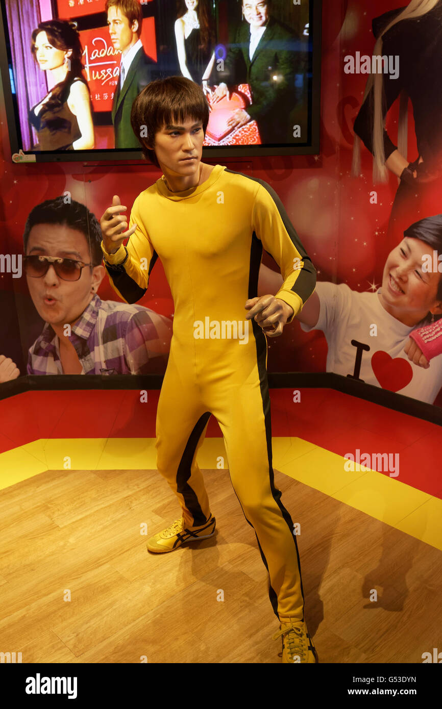 Bruce Lee figure in front of Madame Tussauds wax museum, The Peak Tower, Victoria Peak, Hong Kong Island, Hong Kong, - Stock Image