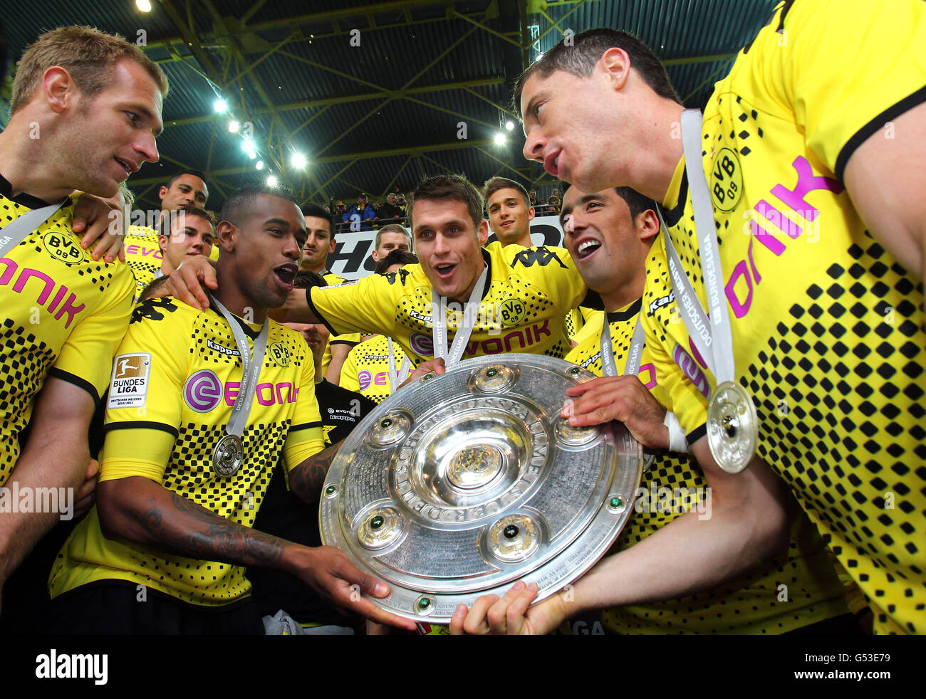 Bvb Borussia Dortmund Players With The League Cup Trophy From Left Stock Photo Alamy
