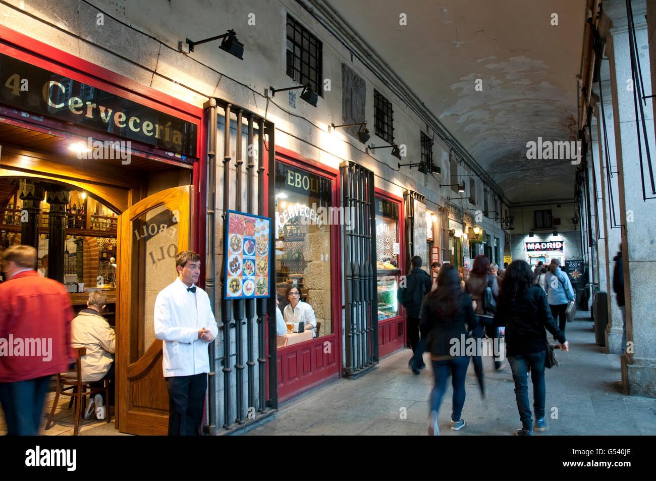 Arcade and restaurant. Main Square, Madrid, Spain. - Stock Image