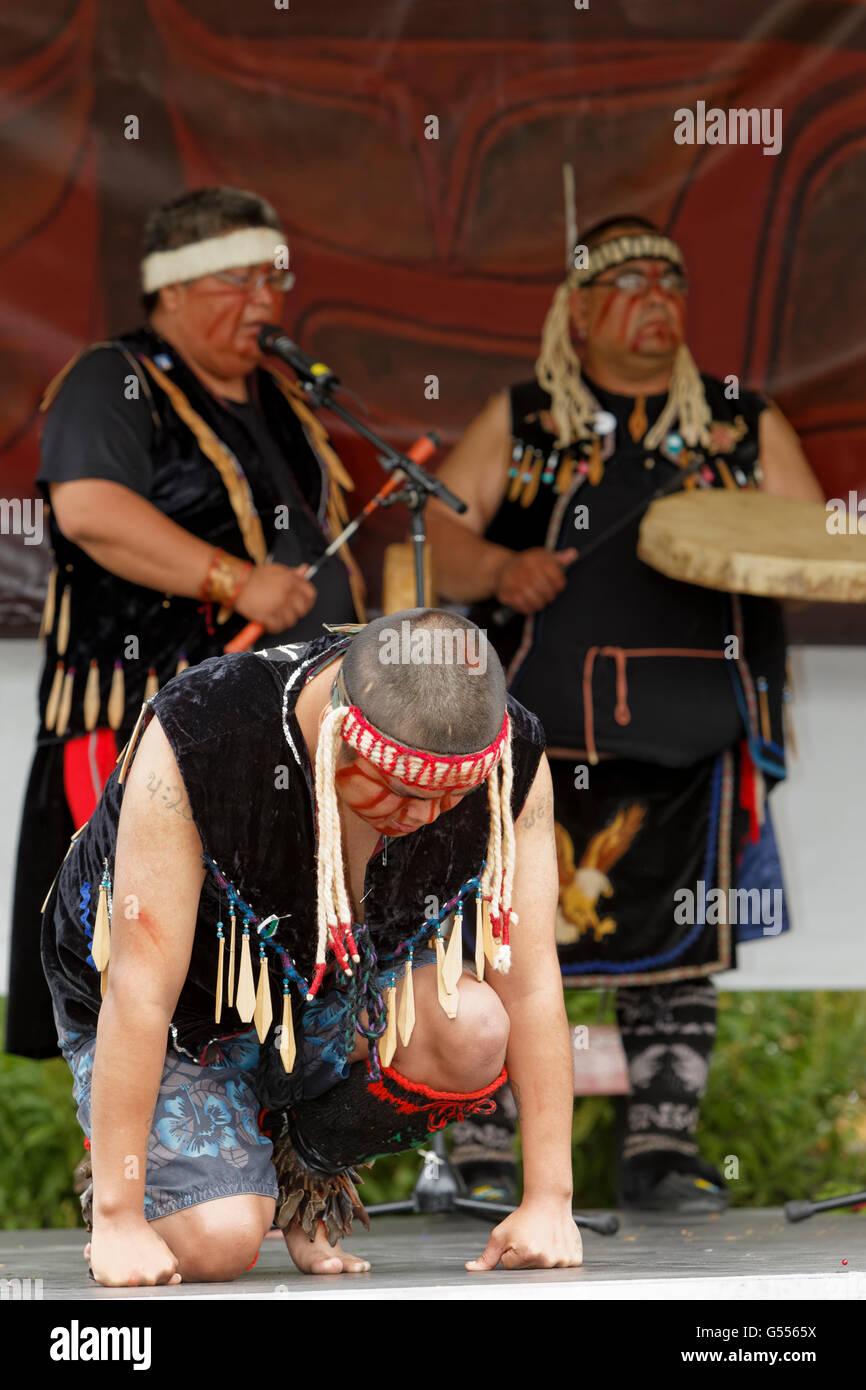 Aboriginal First Nations dancers performing at Aboriginal Days-Victoria, British Columbia, Canada. - Stock Image